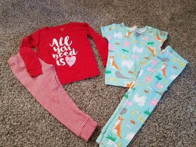 2T jammies. One long sleeve/pant. The other is short sleeve/pant