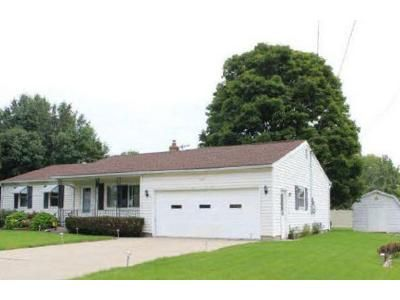 3 Bed 2 Bath Foreclosure Property in Bay City, MI 48706 - Reinhardt Ln