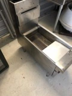 APW Counter Top Gas Fryer