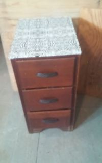 Vintage Wood Side table w 3 Drawers