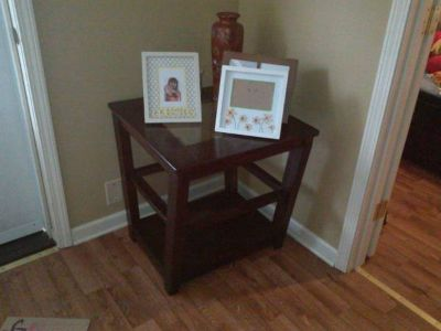 entry table, end table
