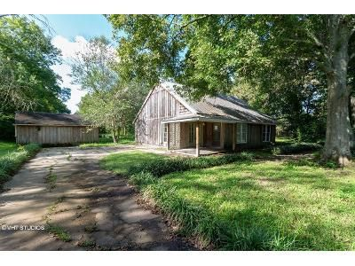 2 Bed 1 Bath Foreclosure Property in Arnaudville, LA 70512 - Don Guilbeau Rd