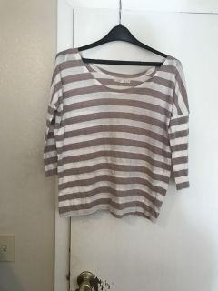 White and beige stripped 3/4 sleeve top