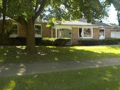 3 Bed 3 Bath Foreclosure Property in Flint, MI 48504 - Prospect St