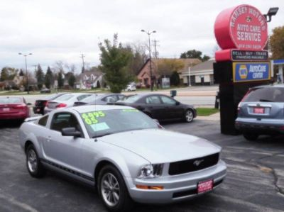 2005 Ford Mustang V6 Premium 2dr Fastback