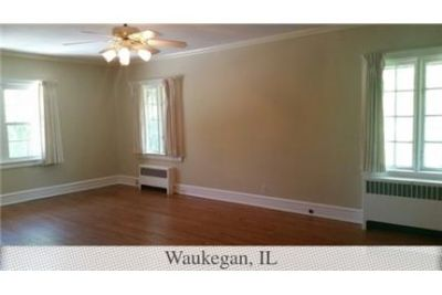 Gorgeous Waukegan, 5 bedroom, 4 bath. Will Consider!
