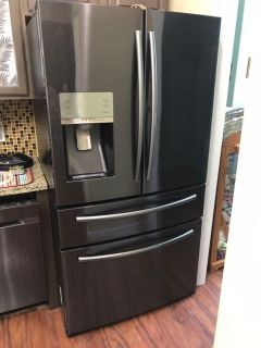 Samsung French Door Refrigerator (counter depth)