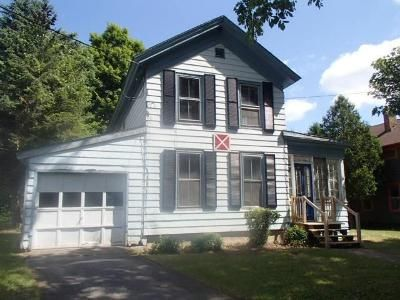 2 Bed 2 Bath Foreclosure Property in Hamilton, NY 13346 - Milford St