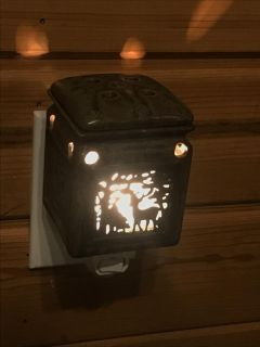 Scentsy Style Wax Warmer Night Light with Woodland Deer Cut Out and Lid