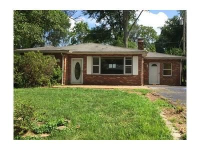 3 Bed 2 Bath Foreclosure Property in Belleville, IL 62220 - Fahey Pl