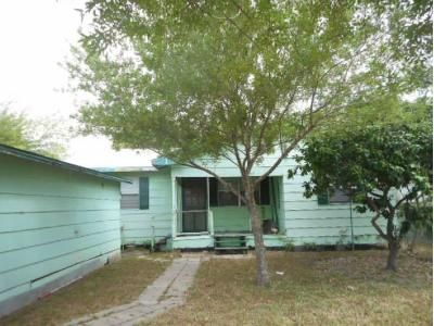 3 Bed 2 Bath Foreclosure Property in Kingsville, TX 78363 - E Lee Ave