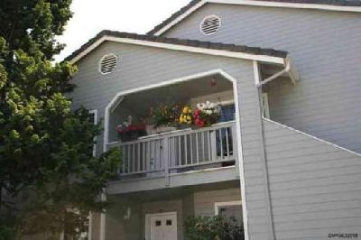 1840 Rees Hill (#13) Rd SE Salem Three BR, Second level condo