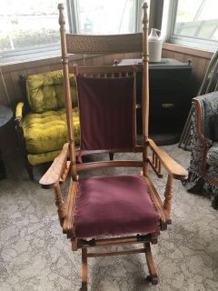 Solid antique gliding chair