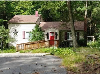 2 Bed 1.5 Bath Preforeclosure Property in Holland, MA 01521 - Leno Rd
