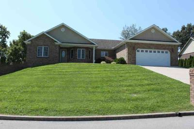 444 Hidden Crest Drive Somerset Three BR, RARE FIND!