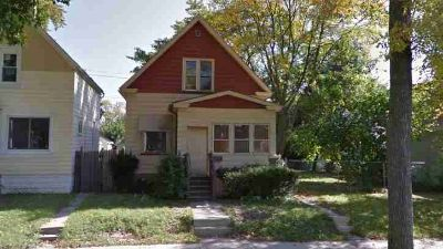 5032 N 32nd ST Milwaukee Four BR, Tenant Occupied - Rent $975 -
