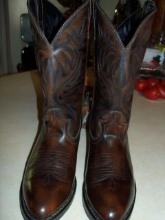 MENS WESTERN BOOTS LIKE NEW! WORN ONCE!