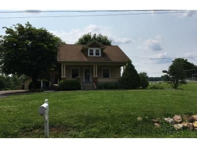 3 Bed 1.0 Bath Preforeclosure Property in Mifflintown, PA 17059 - Swamp Rd