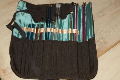 vintage knitting needles in jelly roll