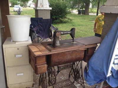 1919 singer foot treadle sewing machine in original wood cabinet