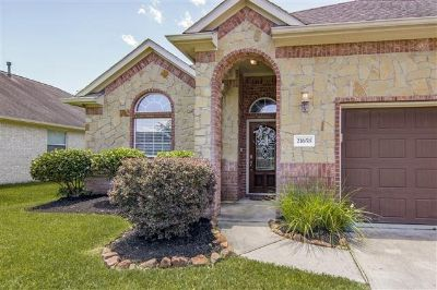 Beautiful 4 bedroom home- Porter Tx