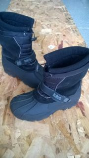 Winter Tote Boots for kids, size 4