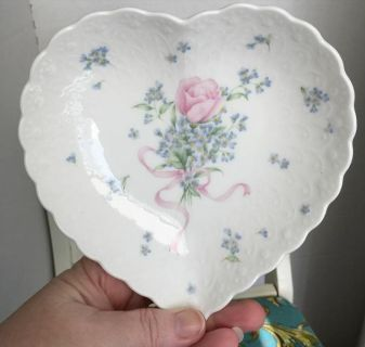 Vintage signed hand painted Mikasa dish bowl vanity candy trinket White gold pink blue flowers green leaves