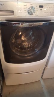 Maytag Maximal XL 4.5 cubic ft Washer & 7.4 cubic ft Steam Dryer