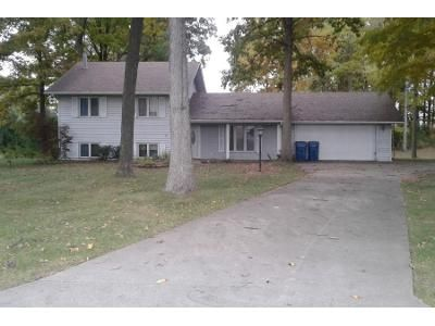 3 Bed 2.0 Bath Preforeclosure Property in Fremont, IN 46737 - N 300 W