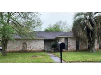 4 Bed 2 Bath Foreclosure Property in Friendswood, TX 77546 - Merribrook Ln
