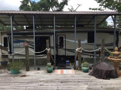 2015 Jayco Pinnacle 36FTBS for sale in St. Bernard, Louisiana.