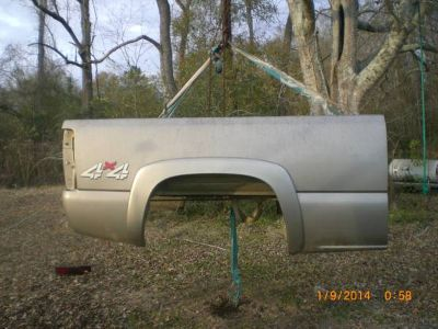 2000 chevy truck bed and 373 locker rearend (kirbyville  tx)