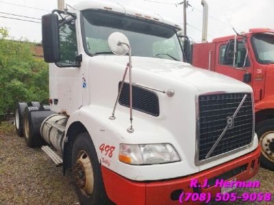 2008 Volvo Tandem Daycab - (FOR PARTS)