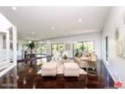Four BR Four BA In Los Angeles CA 90027