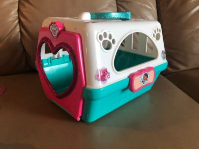 Doc McStuffins animal crate and tools