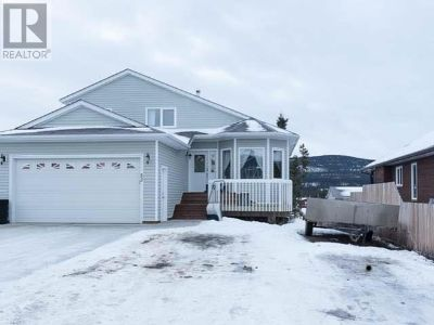 House for Sale in Whitehorse, Yukon Territory, Ref# 11620957