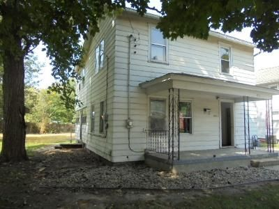 4 Bed 2 Bath Foreclosure Property in Adrian, MI 49221 - N Broad St