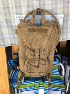 USMC Marine Hydration Carrier Coyote Backpack Assembly w/3L Camelbak Bladder