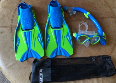 Blue/Green US Divers Youth Snorkel Set - size large