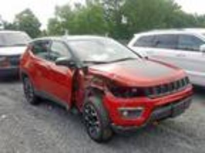 Salvage 2019 JEEP COMPASS TRAILHAWK for Sale