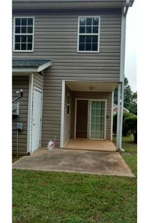 2bd 1 1/2ba townhome available for lease in Laurens. Washer/Dryer Hookups!