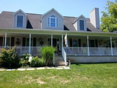 Single Family Home with Wrap-Around Porch Available for Rent Dec. 5th- 208 Race Street