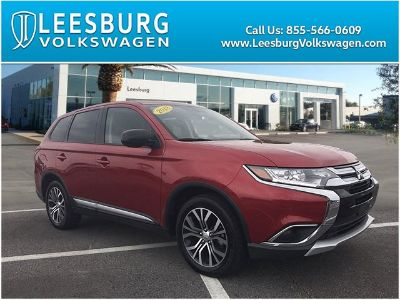 2018 Mitsubishi Outlander ES (Red)
