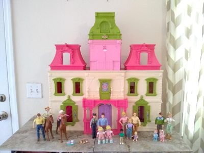 Fisher Price Loving Family Dollhouse 2012 with vintage- present dolls