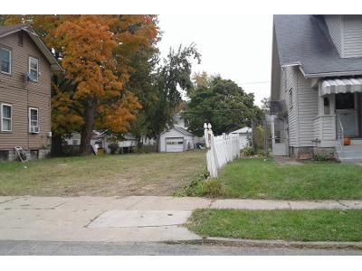 3 Bed 1.0 Bath Preforeclosure Property in Fort Wayne, IN 46806 - Holton Ave