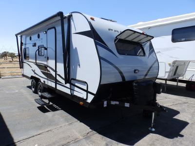 2020 Pacific Coachworks PACIFICA 19FB, FRONT SLEEPER, REAR DINETTE/SOFA, ROOF A/C, POWER STABILIZER JACKS, POWER AWNING, SLEEPS 4