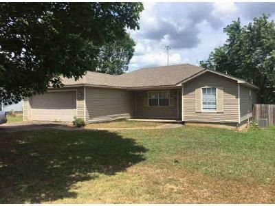 3 Bed 2 Bath Foreclosure Property in Cabot, AR 72023 - Park Cir