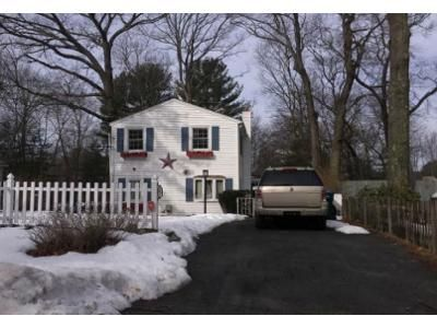 3 Bed 1.5 Bath Foreclosure Property in Holbrook, MA 02343 - S Shore Rd