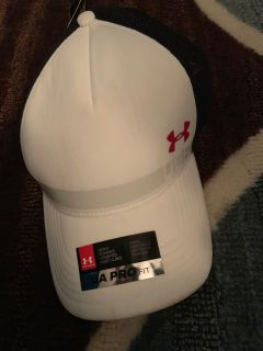 NWT under armour pro fit snap back