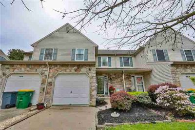 1676 Pinewind Drive ALBURTIS Three BR, Conveniently located in